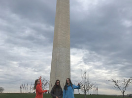 Seeeeesters at Washington Monument